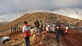 Tìm thấy hộp đen máy bay chở khách rơi ở Iran