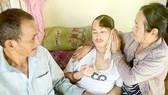 Vợ chồng nghèo ước mơ ráp hộp sọ cho con