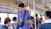 Tiếp viên xe buýt hành xử côn đồ