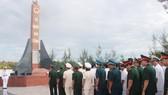 Dâng hương tưởng niệm liệt sĩ tù chính trị tại Cam Ranh
