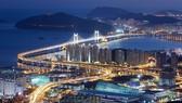 Cầu Gwangan, ở TP Busan. Ảnh: KTO