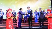 CEO AVA Windows được trao tặng giải thưởng Doanh nhân trẻ Việt Nam tiêu biểu 2019