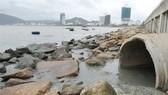 Khắc phục dứt điểm việc nước thải đổ ra bãi tắm Quy Nhơn