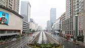 Đường phố ở Vũ Hán, tỉnh Hồ Bắc (Trung Quốc) vắng tanh, ngày 26-1-2020. Ảnh: CNS/REUTERS
