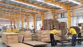 Ngành chế biến gỗ với khó khăn kép: Covid-19 và khả năng bị áp thuế chống bán phá giá