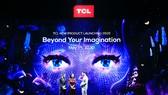 Công Vinh - Thủy Tiên trải nghiệm sản phẩm công nghệ mới từ TCL