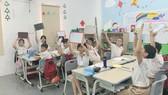 """Một giờ học được tổ chức theo hình thức cuộc thi """"Rung chuông vàng"""" của học sinh iSchool, IEC Quảng Ngãi."""