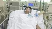 Em Nguyễn Phúc Khang (20 tuổi, sinh viên Trường Cao đẳng Nghề tỉnh Bình Thuận), trú tại xóm 3, thôn 1, xã Thuận Minh, huyện Hàm Thuận Bắc, tỉnh Bình Thuận, bị tai nạn giao thông, điều trị tại Bệnh viện Chợ Rẫy TPHCM