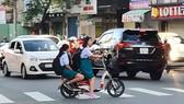 Quản lý học sinh đi xe điện đến trường