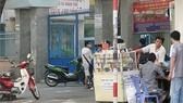 Xử lý nghiêm mua bán thuốc lá gần trường học, bệnh viện