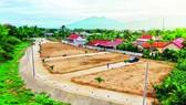 Một số nền biệt thự được phân lô trên đất nông nghiệp tại tỉnh Khánh Hòa. Ảnh: VĂN NGỌC