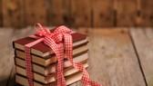 Lì xì... bằng sách