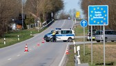 Chốt kiểm soát tại biên giới Đức-Áo. Ảnh: DPA