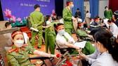 Đoàn viên thanh niên Công an Hà Tĩnh hiến 160 đơn vị máu