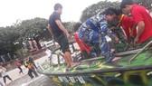 Tàu cá bị sóng đánh chìm trên vùng biển Côn Đảo, 2 thuyền viên mất tích