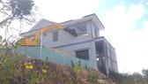 Công ty CP Du lịch cáp treo Vũng Tàu tháo dỡ biệt thự không phép trên núi Lớn