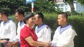 Phu nhân nguyên Chủ tịch nước Trương Tấn Sang động viên, thăm hỏi chiến sĩ Vùng 2 Hải quân