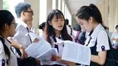 Thí sinh tại Hội đồng thi Trường Nguyễn Thị Minh Khai trong kỳ thi THPT quốc gia năm 2017
