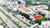 Kiến trúc bên đường Phạm Văn Đồng. Ảnh: THÀNH TRÍ