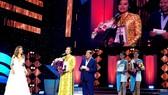 Đạo diễn Hồng Ánh lên nhận giải thưởng đặc biệt của Liên hoan phim quốc tế Á-Âu 2017