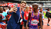 """Mo Farag (phải) muốn thắng """"cú đúp"""" tại London."""