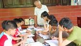 Lớp học tình thương của cựu binh tuổi 80