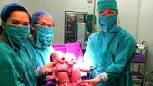 Quảng Ninh: Đón 2 trẻ sinh đôi từ thụ tinh trong ống nghiệm