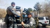 Lực lượng an ninh Afghanistan phong tỏa hiện trường vụ đánh bom nhà thờ Kart-e Sakhi ở thủ đô Kabul ngày 21-3-2018. Ảnh: REUTERS