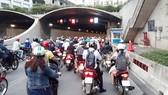 Lộ trình hợp lý cho việc hạn chế xe máy