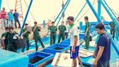 Sóc Trăng bắt tàu vận chuyển 100.000 lít dầu không rõ nguồn gốc