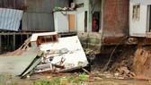 Sạt lở kinh hoàng tại Cần Thơ, 5 căn nhà trôi sông