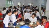 Các thí sinh tại điểm thi Trường THPT Dân tộc nội trú Huỳnh Cương, Sóc Trăng
