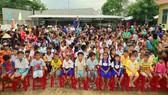 Hỗ trợ sách giáo khoa lớp 1 cho học sinh nghèo