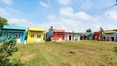 """Diện mạo khu tái định cư của người dân Khmer tại Sóc Trăng sau 2 ngày thực hiện chương trình """"Sắc màu phum sóc"""""""