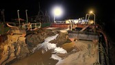 Sóc Trăng: Phát hiện sà lan khai thác hàng ngàn mét khối cát trái phép