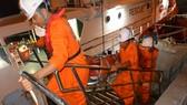 Thuyền trưởng Hồ Thân được đưa về đất liền Đà Nẵng cấp cứu kịp thời
