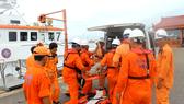Ngư dân Hoàng Dương được tàu SAR 412 cứu nạn thành công, đưa về Đà Nẵng cấp cứu kịp thời