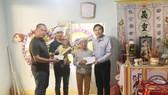 Báo SGGP hỗ trợ đột xuất gia đình cô giáo trẻ qua đời để lại con nhỏ 6 tháng tuổi