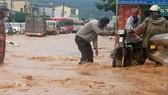 Quốc lộ 20 lại ngập nặng sau trận mưa lớn