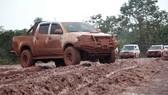 Gian nan đường tiếp tế vào khu vực bị vỡ đập thủy điện ở Lào