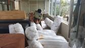 Tạm giữ hàng chục ngàn khẩu trang gia công trong xưởng làm lưỡi câu