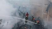 Cháy lớn thiêu rụi 4 căn nhà liền kề