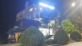 Nhóm người xông vào khách sạn chém 2 người trọng thương