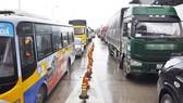 Kẹt xe nhiều kilomet tại trạm BOT Ninh An