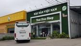 """Các showroom đón khách Trung Quốc tại Nha Trang """"thách đố"""" chính quyền"""
