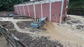 Cận cảnh nhà máy thủy điện bị đất đá vùi trong mưa lũ