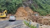 Trận mưa lớn ngày 15-7 đã gây sạt lở nặng tại đèo Ô Quy Hồ - Sa Pa (Lào Cai). Ảnh do BCH PCLB tỉnh Lào Cai cung cấp