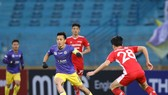 Văn Quyết và CLB Hà Nội tiếp tục vượt qua Viettel trong trận derby của thủ đô.