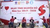 Hơn 2.000 giảng viên, sinh viên hiến máu nhân đạo
