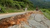 Quốc lộ 28B bị sụt lún nghiêm trọng